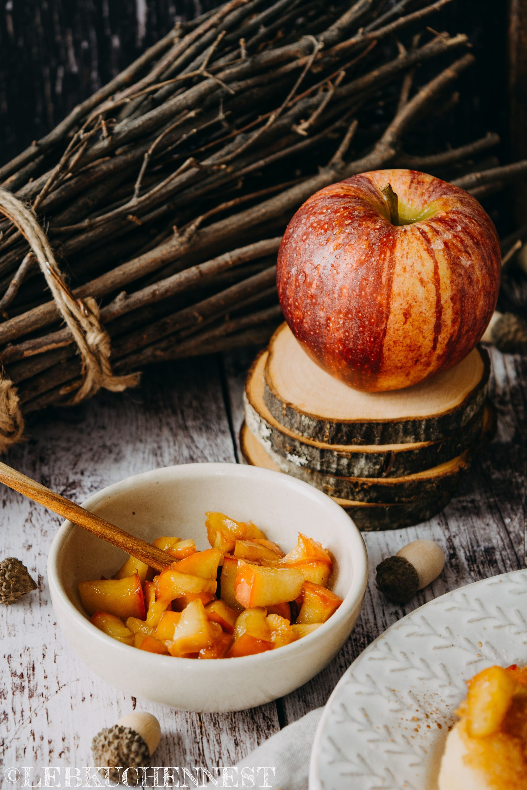 Geschmorte Äpfel als Topping für die Apfel-Quarkknödel