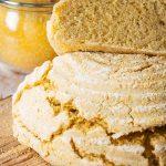 Anschnitt - frischer Mais-Brot