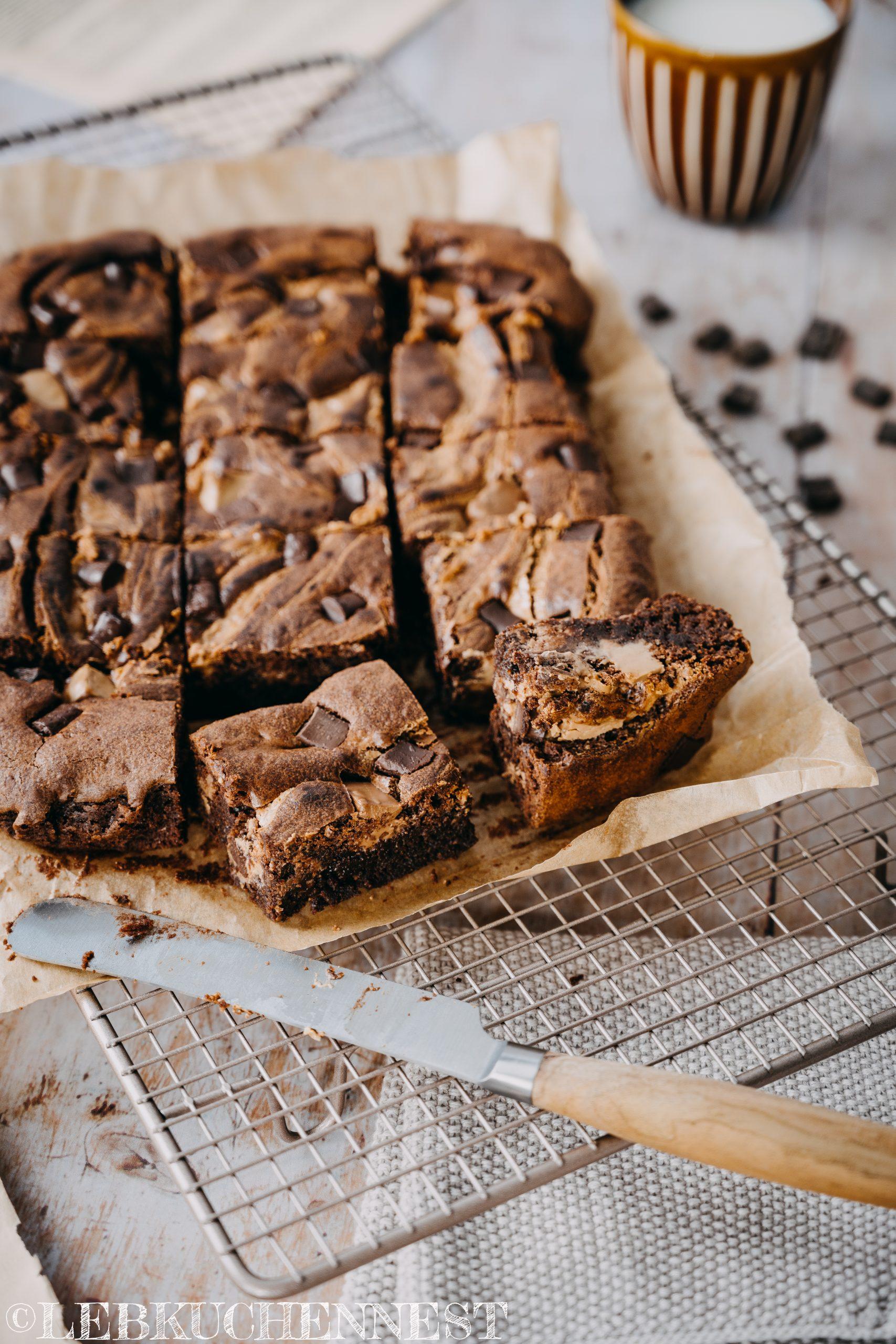 Nuss-Nougat-Brownies frisch aus dem Ofen